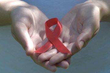Sueurs nocturnes et la transpiration avec le virus du SIDA ou VIH